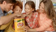 "LAYS ""HAPPY FAMILY"""